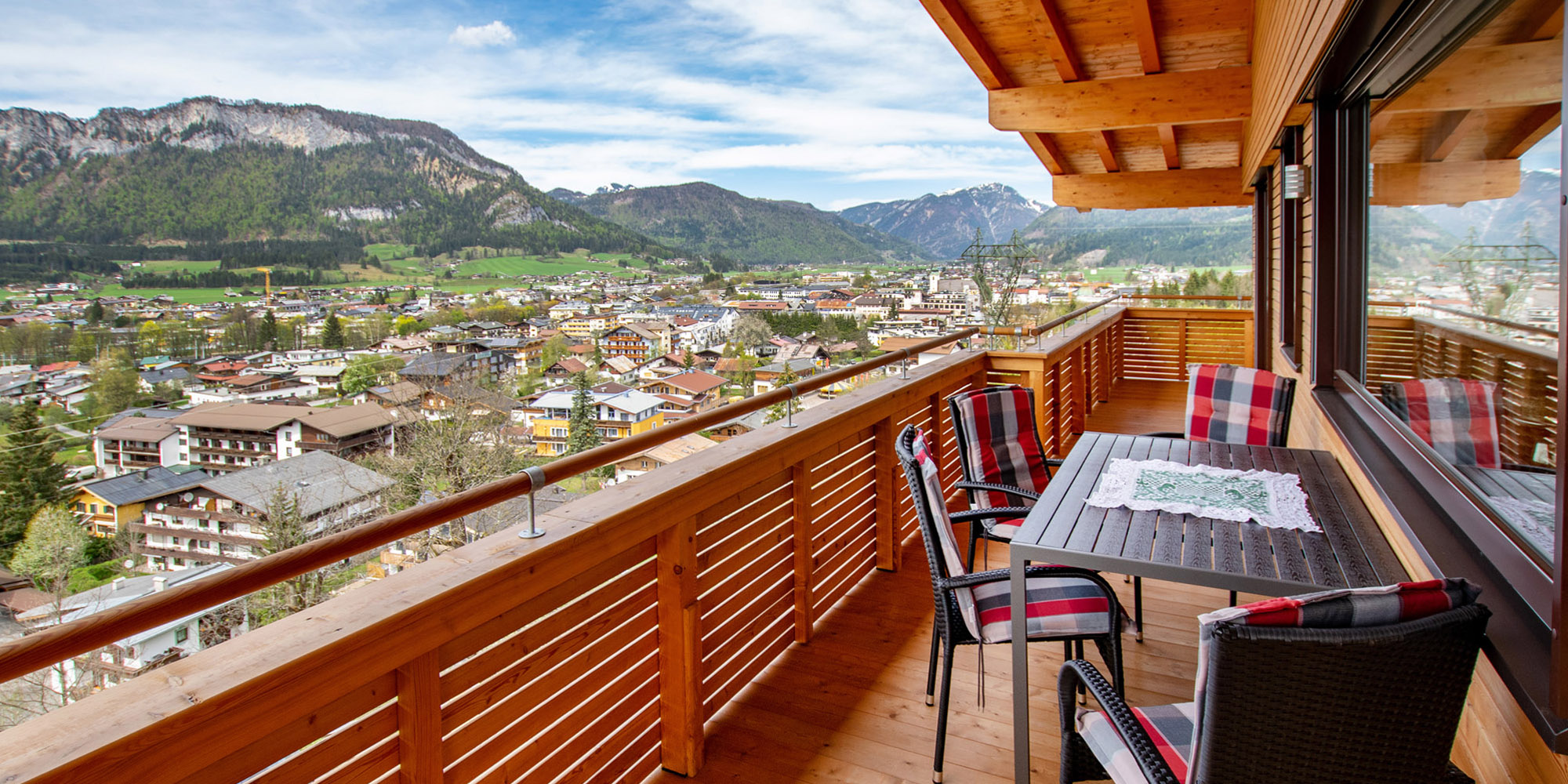 Luxus Apartment Kaiser Residenz Ausblick vom Balkon zum Wilden Kaiser