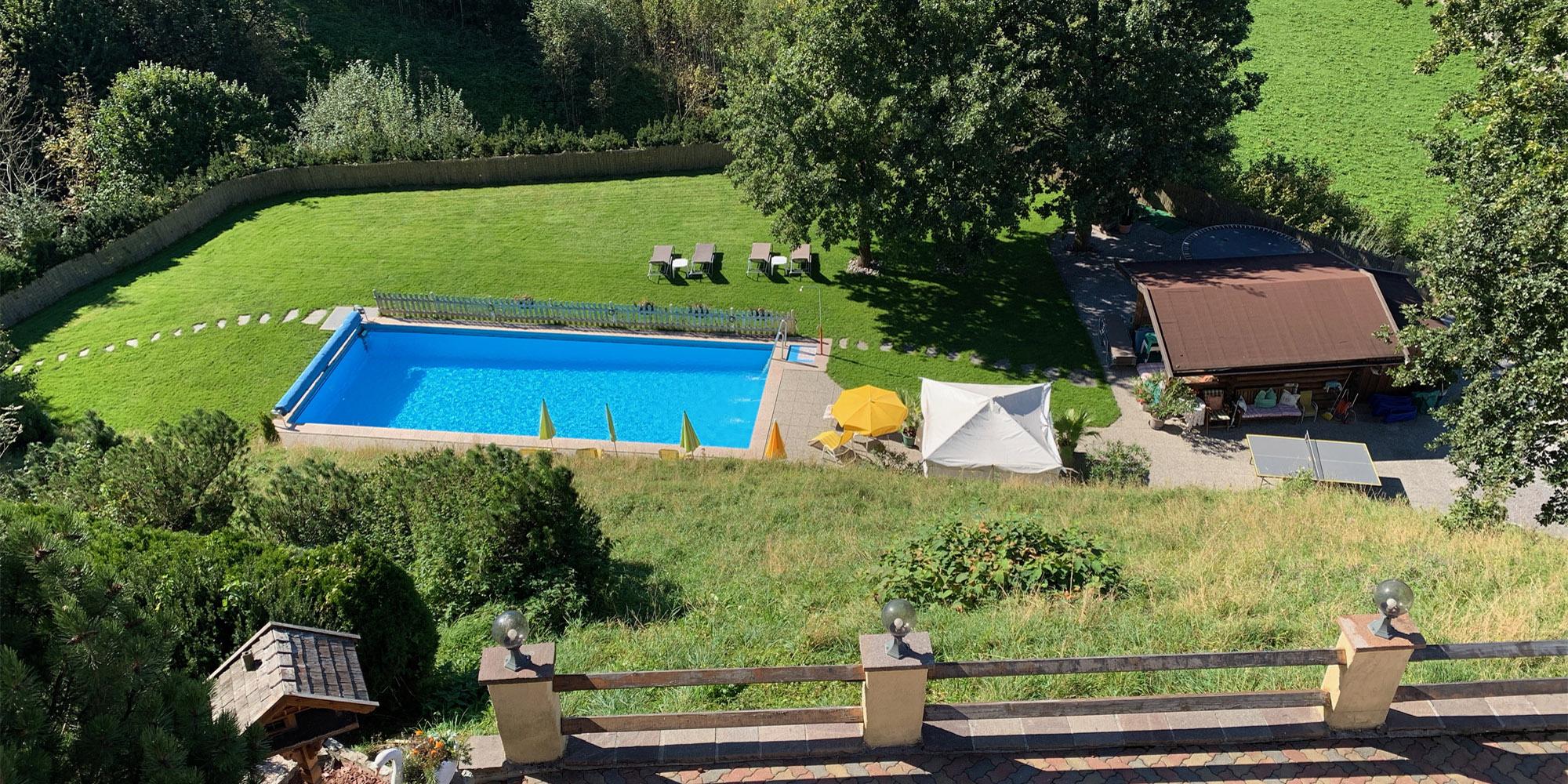 apartment-kaiser-residenz-balkon-pool