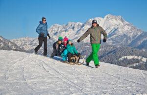 Familienfreundliche Ferienwohnung im Skigebiet Kitzbüheler Alpen Schlitten rodeln